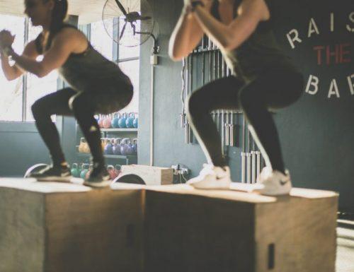 Come allenare tutto il corpo a casa senza attrezzi